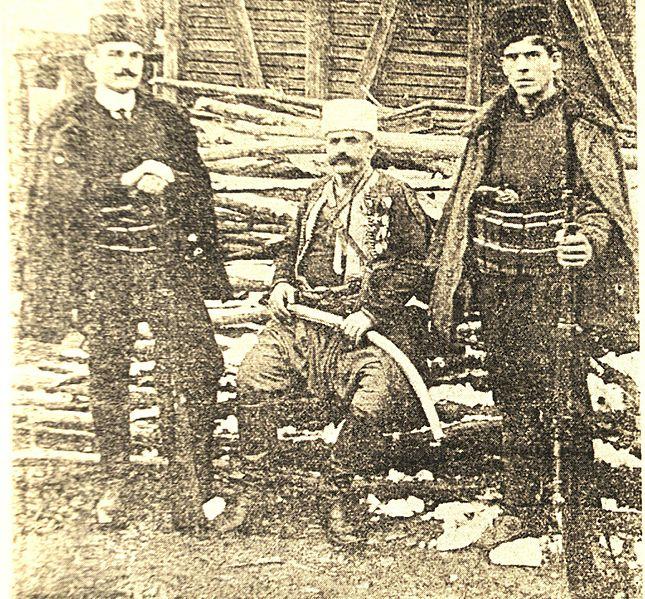 Милутин_Бабовић_Телеграф_са_два_своја_сина,_1912.jpg